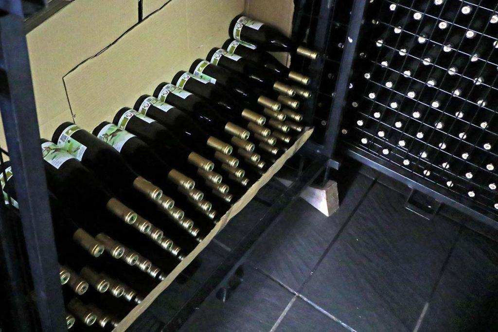 Aurelio Feo Viticultor jaulones de botellas