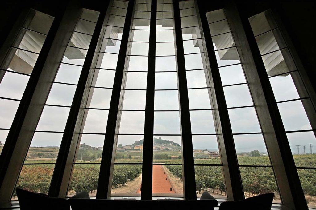 Bodega Ysios sala de catas mirador