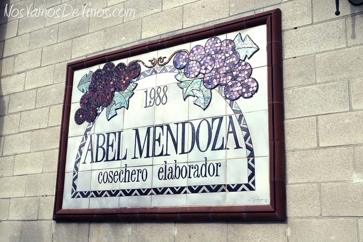Bodega Abel Mendoza. Cartel.