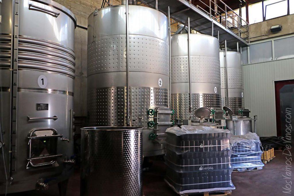 Sala de fermentación bodega Miguel Merino, Briones, La Rioja