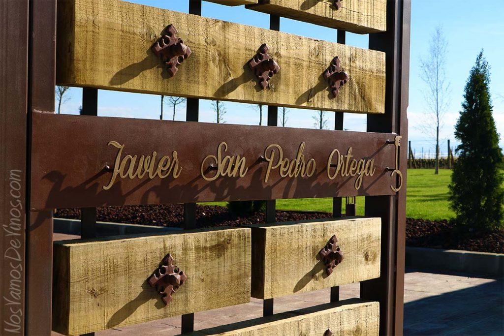 Bodegas Javier San Pedro Ortega Puerta de entrada