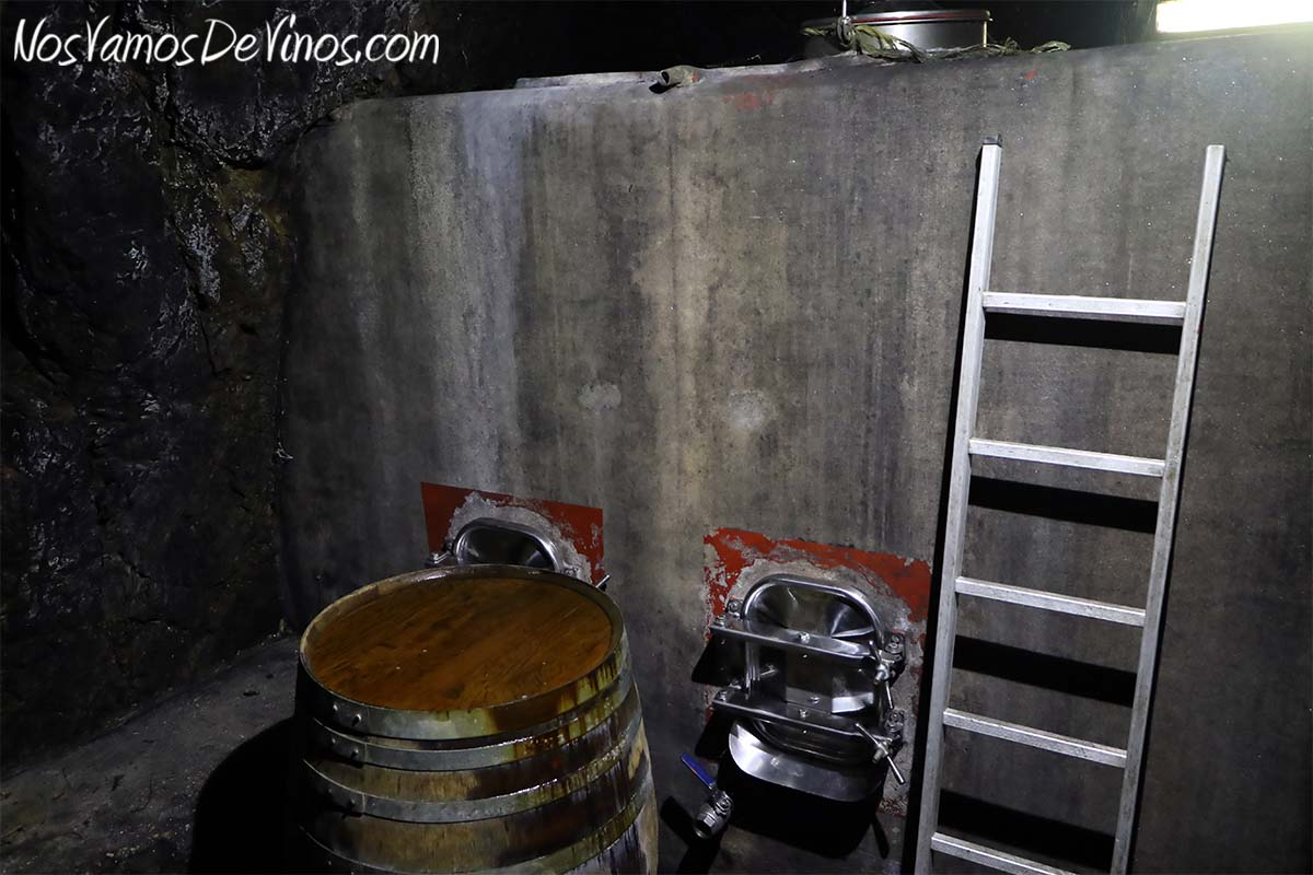 Almaroja, la bodega de Charlotte Allen en Arribes. Depósito de hormigón en la Cueva en Fermoselle, Zamora
