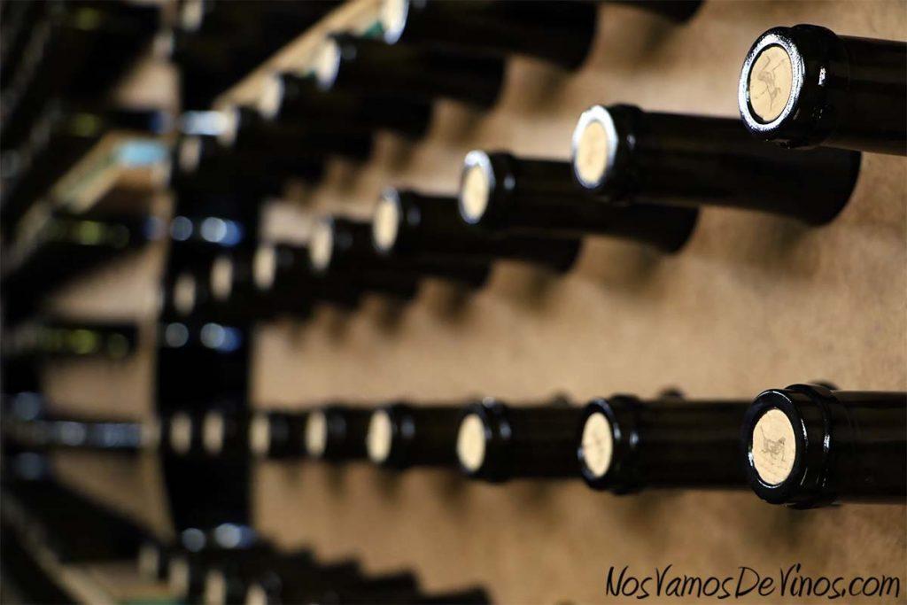 El Grillo y la Luna. Cata. Jaulones botelleros de madera. Detalle