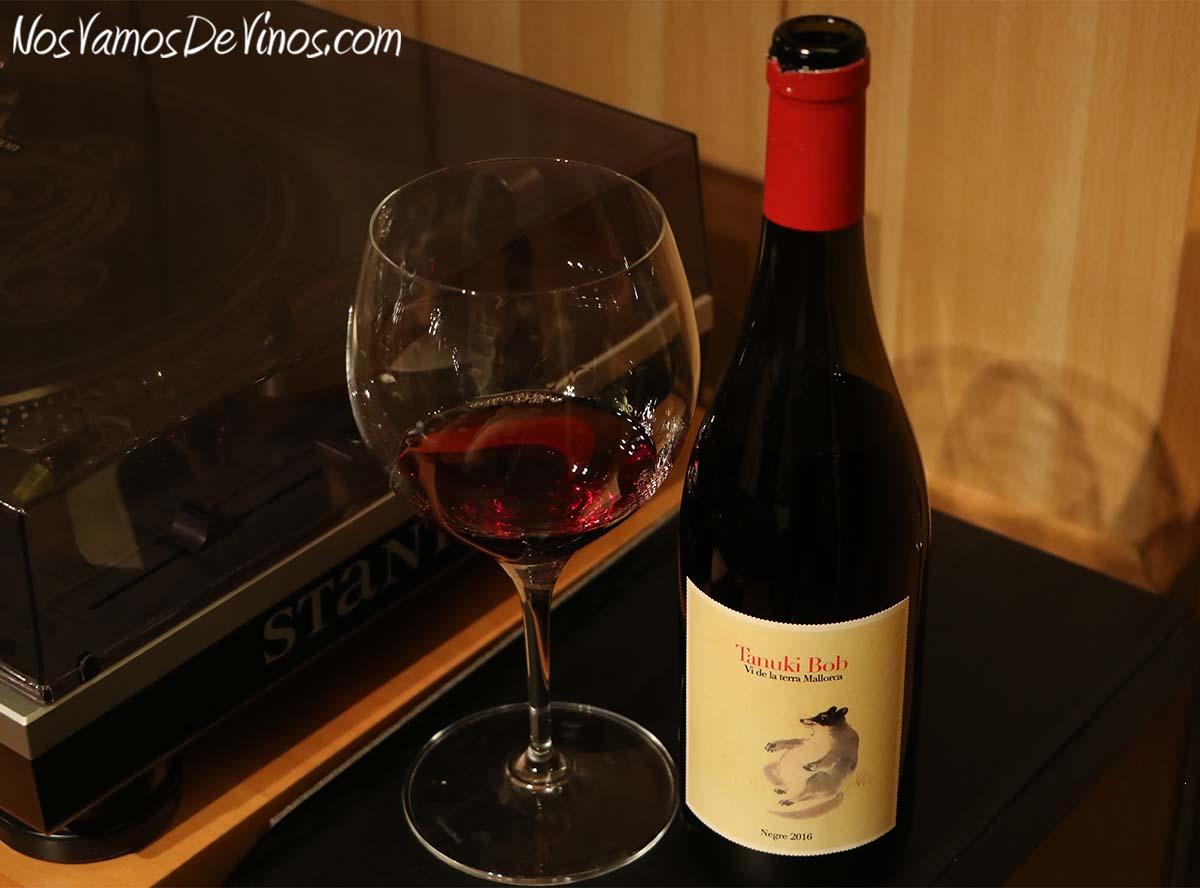 Tanuki Bob 2016 un vino de 4 Kilos Vinícola