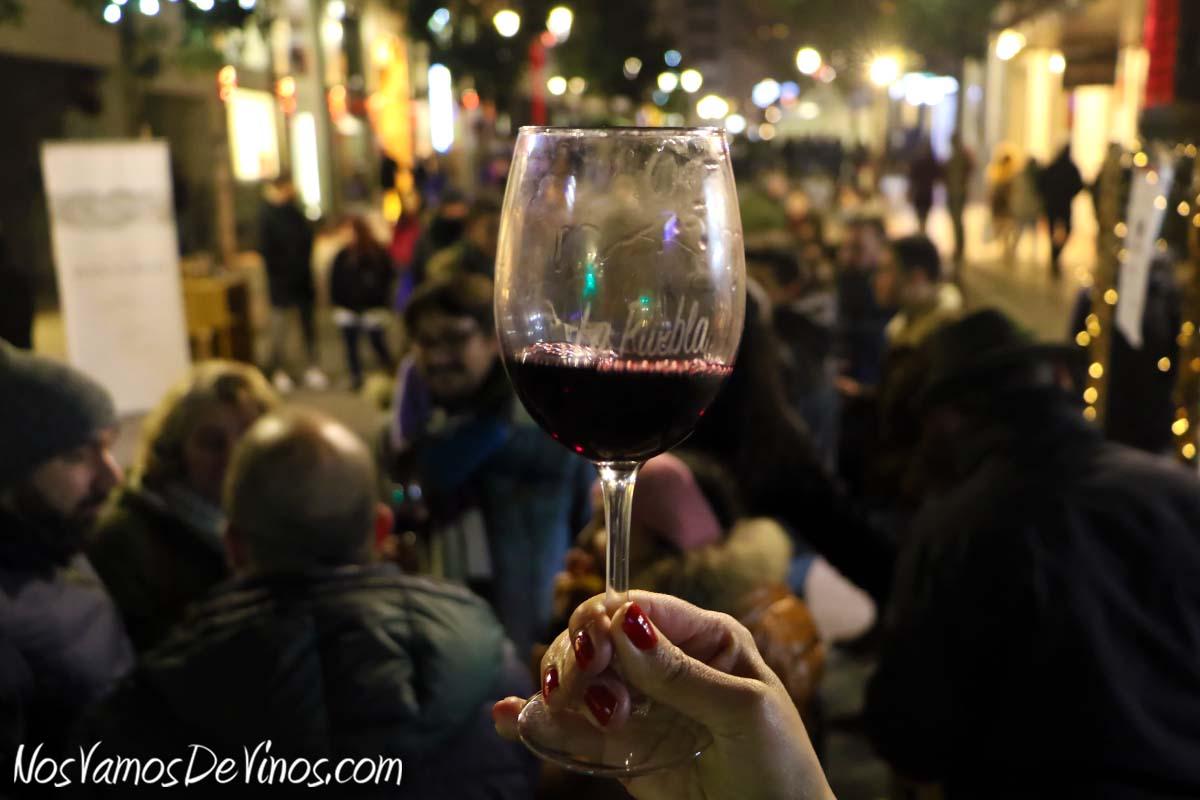 Feria de vinos del Festival La Puebla, en Ponferrada. Ambiente.