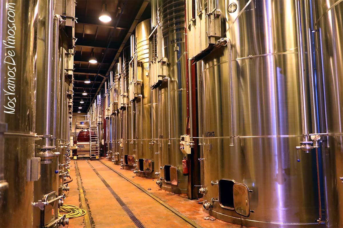 Viñas del Vero. Cubas de fermentación.