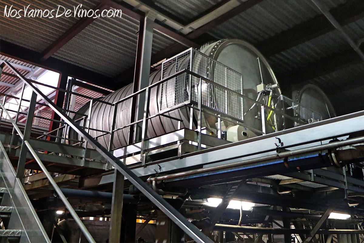 Viñas del Vero. Cubas de fermentación rotatorias.