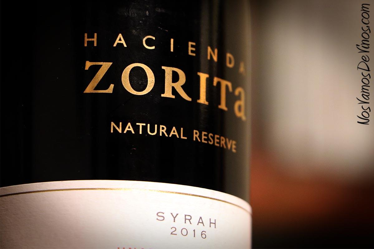 Hacienda Zorita Natural Reserve Syrah 2016 Detalle etiqueta