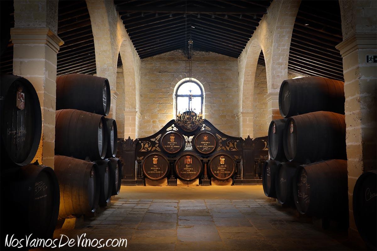 En la Bodega Los Reyes se guardan algunos de los mejores vinos de González Byass.