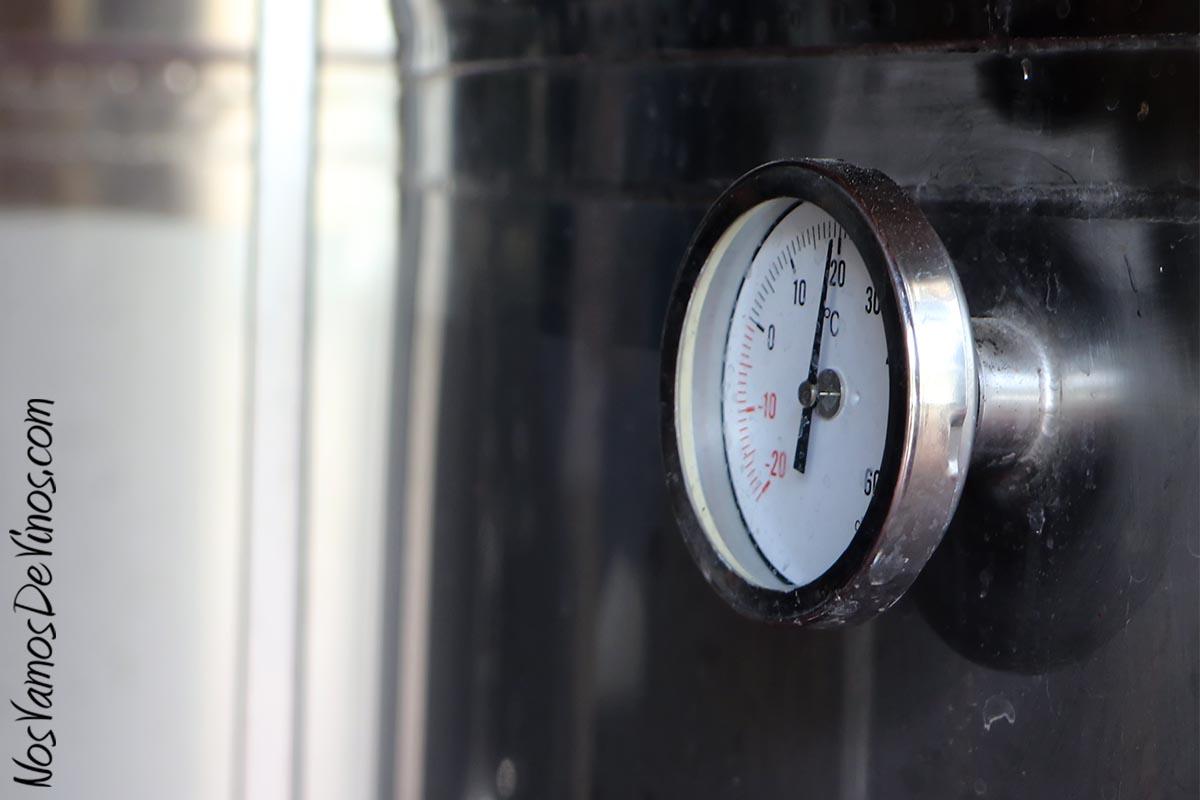 Los vinos blancos y el rosado de Forlong fermentan en depósitos de acero inoxidable con un estricto control de temperatura.