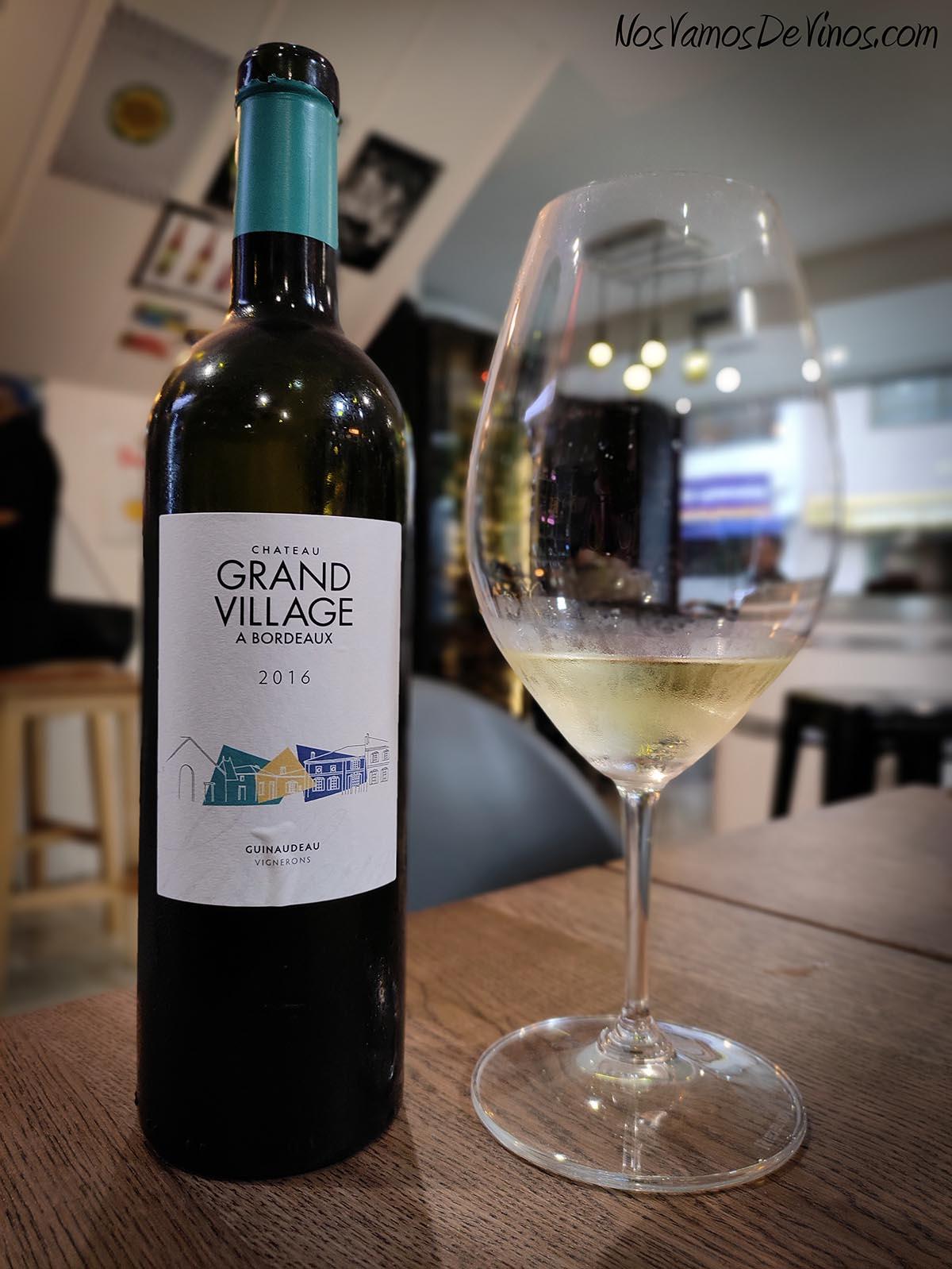 Château Grand Village Blanc 2016