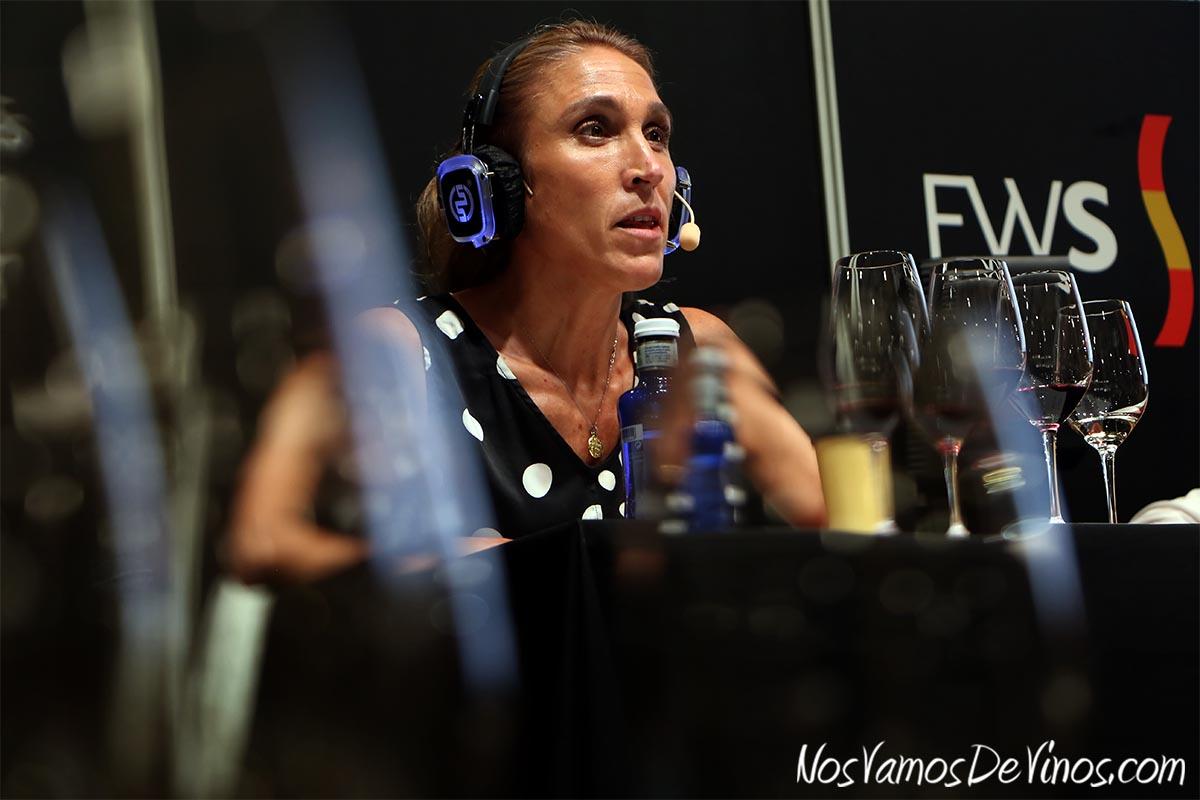 Raquel Pérez Cuevas, bodeguera de Queirón, en la cata Armonías y Polifonías de Queirón, celebrada en Madrid Fusión 2021 The Wine Edition